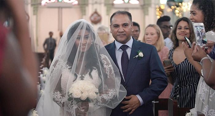 amore_production_malaysia_kualalumpur_wedding_videographer_videography_cinematography_cinematographer_photographer_photography_indianwedding_churchwedding_hinduwedding_web290119_019