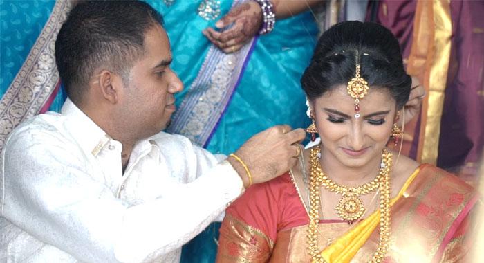 amore_production_malaysia_kualalumpur_wedding_videographer_videography_cinematography_cinematographer_photography_indianwedding_churchwedding_hinduwedding_web080519_009